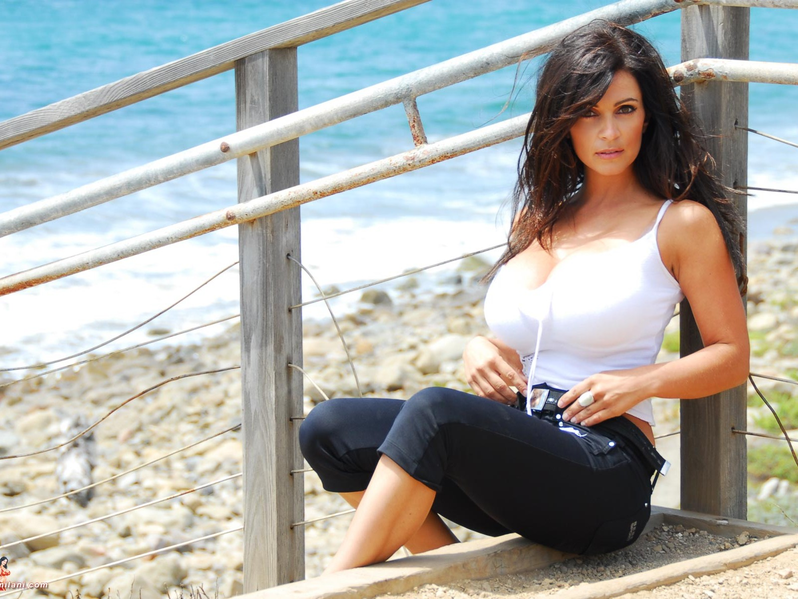 Дениз Милани (Denise Milani): фото, биография, личная жизнь инстаграм красотки