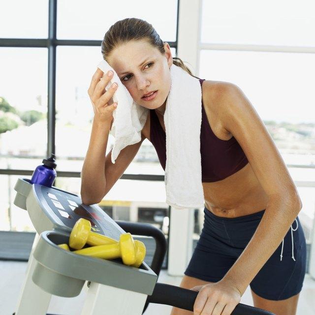 Не опасно ли девушке тренироваться в период менструации?