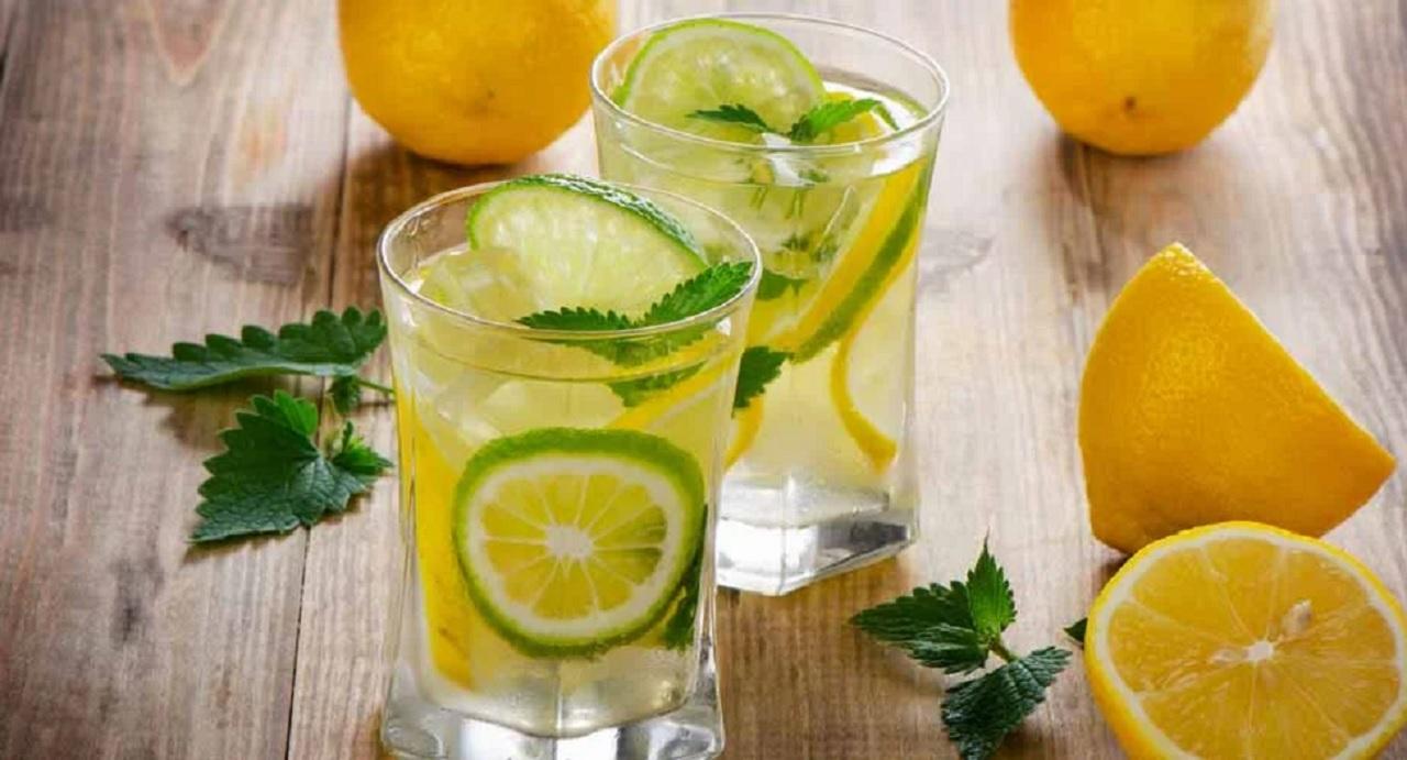 Вода с лимоном — польза и вред, натощак, по утрам и как приготовить?