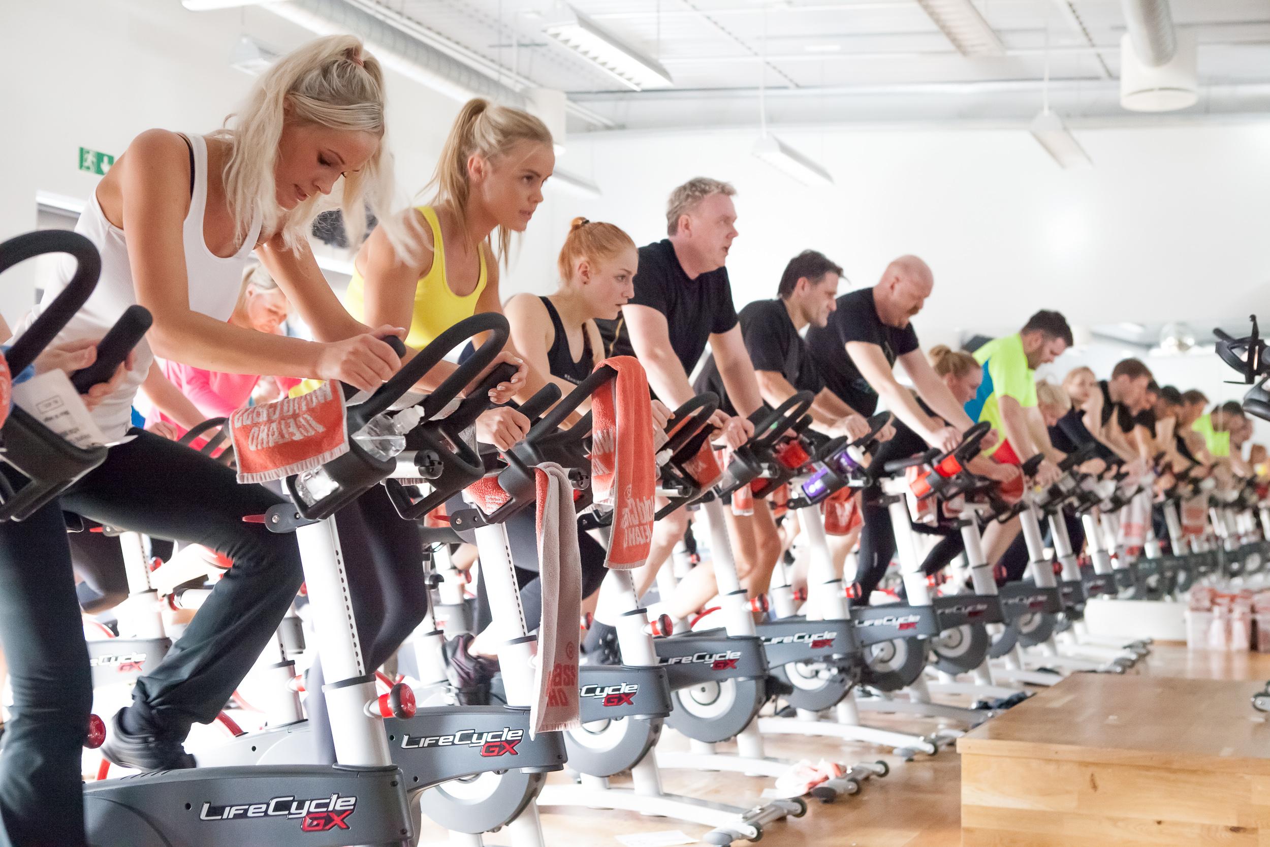 Сайкл для похудения: программа тренировки, отзывы, противопоказания к фитнесу