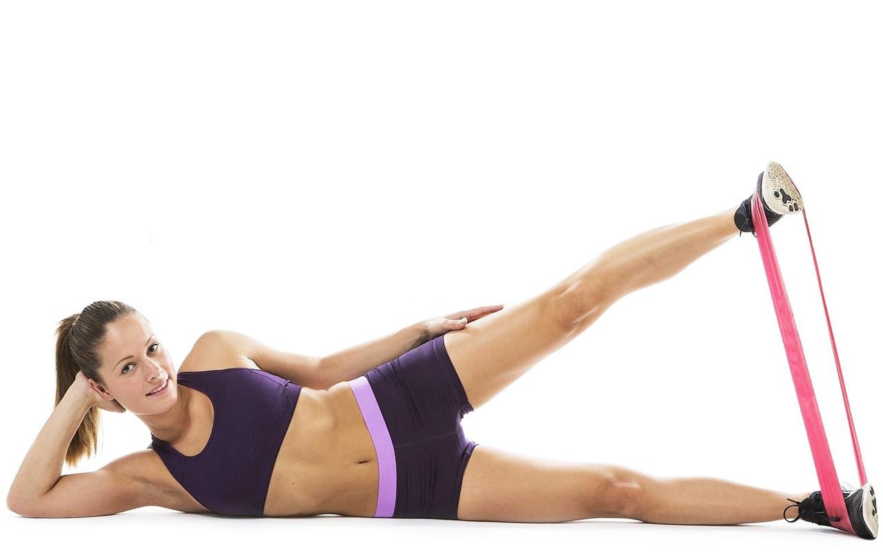 Тренировка с эспандером: упражнения для начинающих (фото)