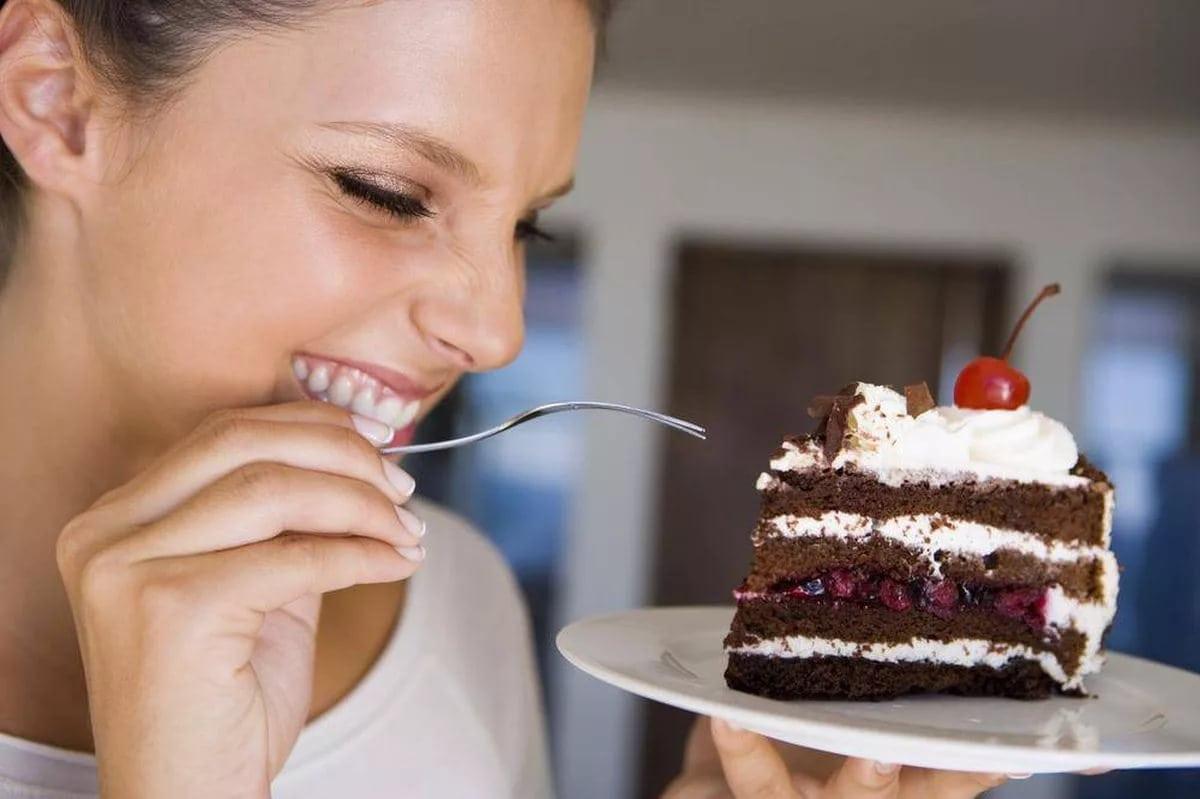Как отказаться от сладкого и перестать есть мучное навсегда: психология для похудения