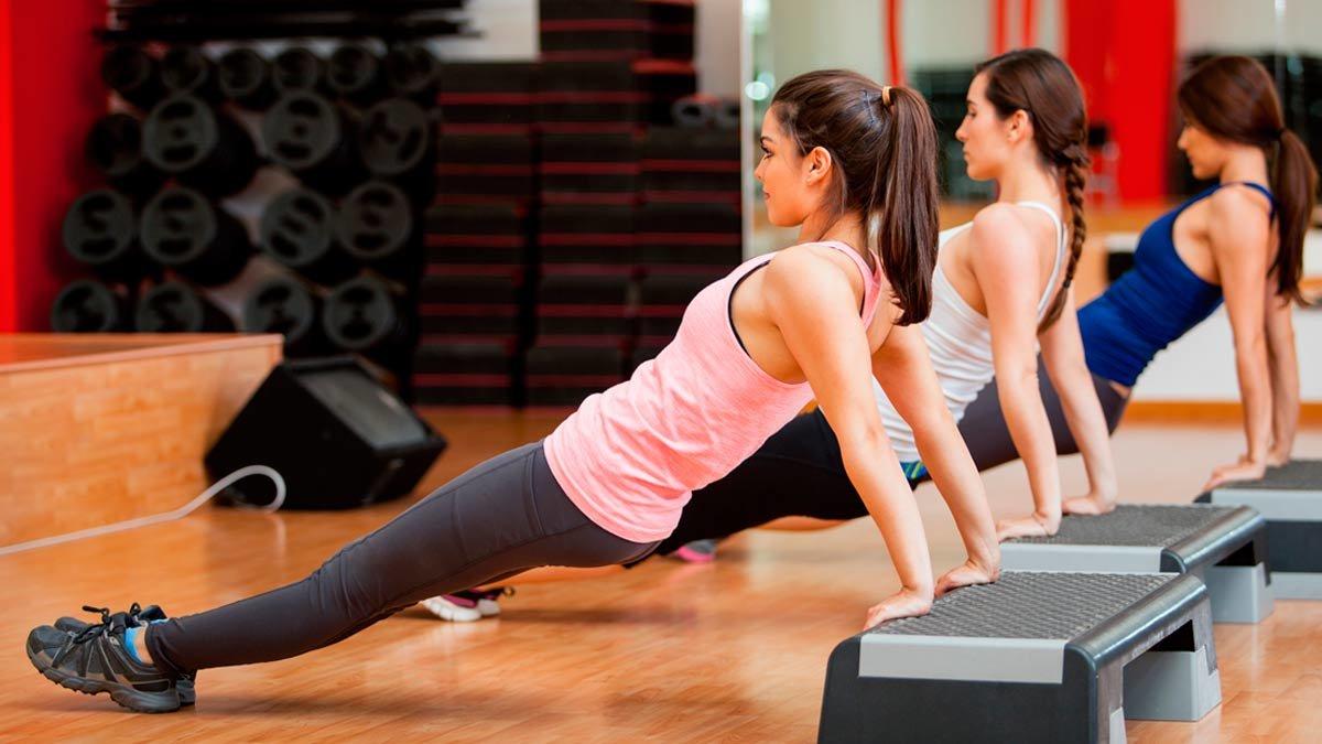 Сжечь калории и укрепить все мышцы за полчаса: польза круговой функциональной тренировки