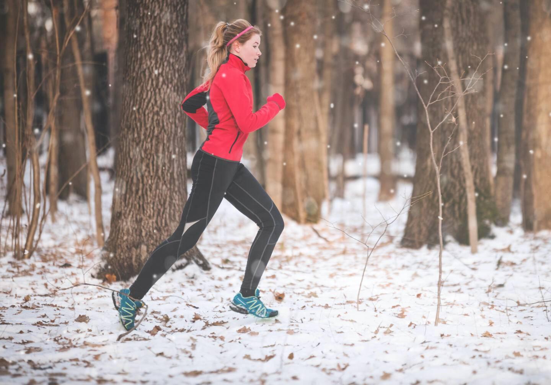 Бег осенью: одежда и обувь для осенней пробежки
