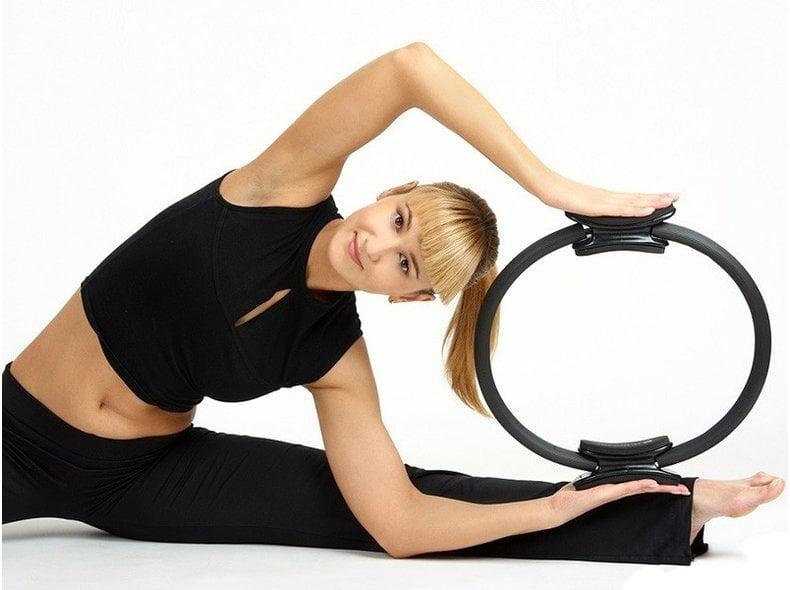 Кольцо для пилатеса (изотоническое): занятия, тренировки, упражнения в картинках, видео