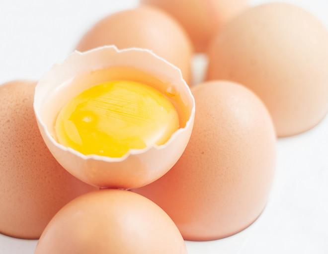 Можно ли есть яйца при похудении? какие лучше: сырые, вареные или жареные?   promusculus.ru