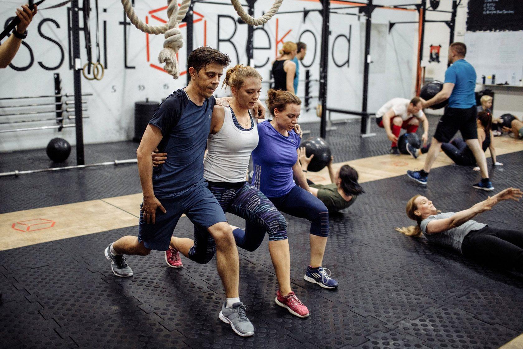 Кроссфит тренировки: описание, польза, основные упражнения и программы