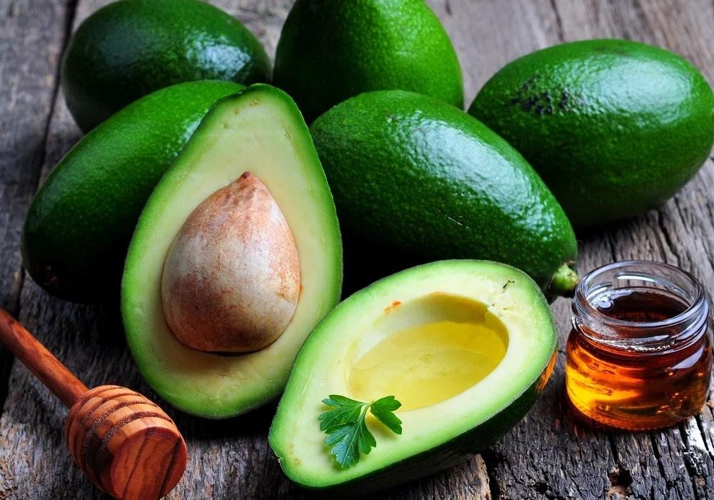 Авокадо - полезные свойства, противопоказания, калорийность, для похудения, рецепты, косточка и кожура