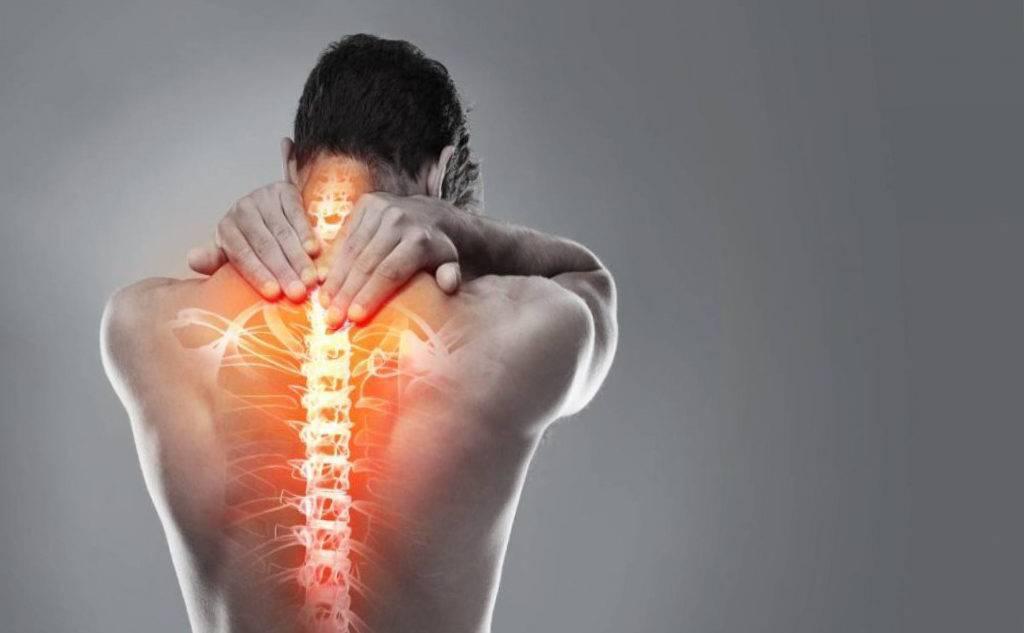 Чем опасно защемление нерва в грудном отделе: способы лечения и прогноз