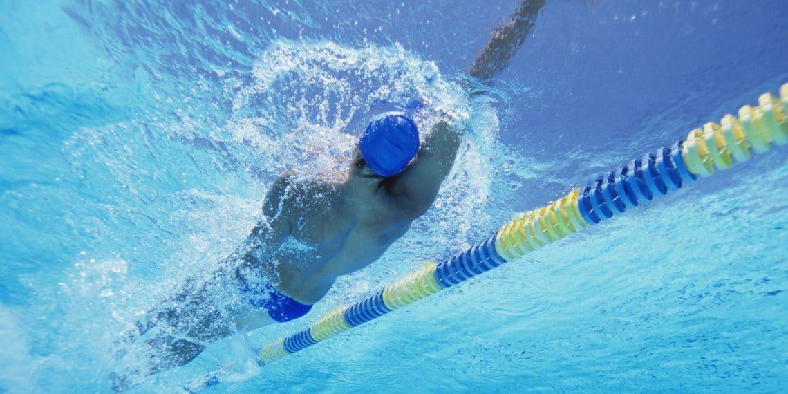 Какие мышцы тела работают при плавании кролем и в чем польза этого стиля?