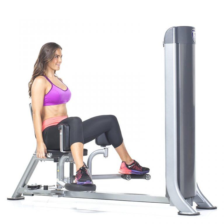 Разведение ног в тренажере: техника сидя и стоя, чем заменить в домашних условиях