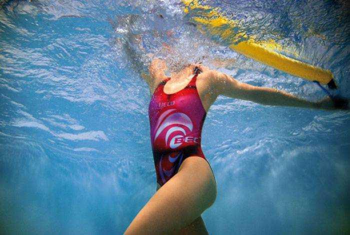 Аквааэробика для похудения: эффективные упражнения в бассейне