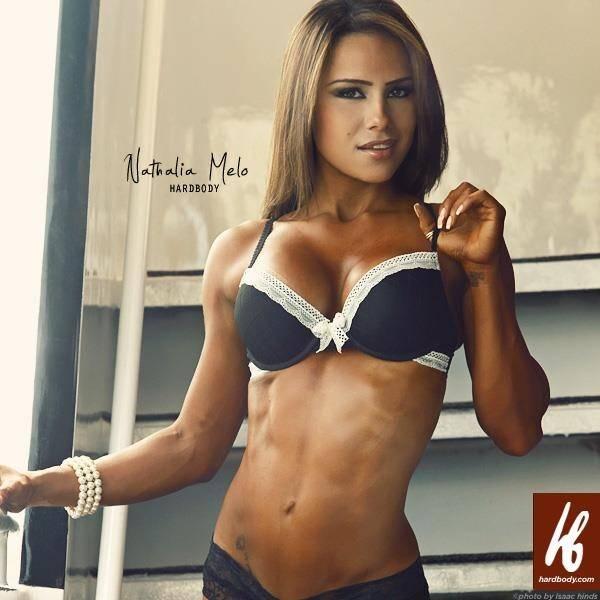 Бойкая и храбрая наталья мело - первая бразильская профессиональная модель ifbb bikini