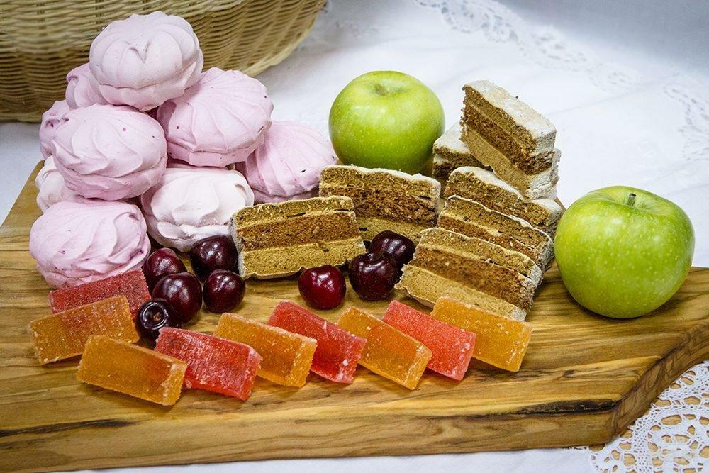 Какое влияние оказывают сладости на организм?