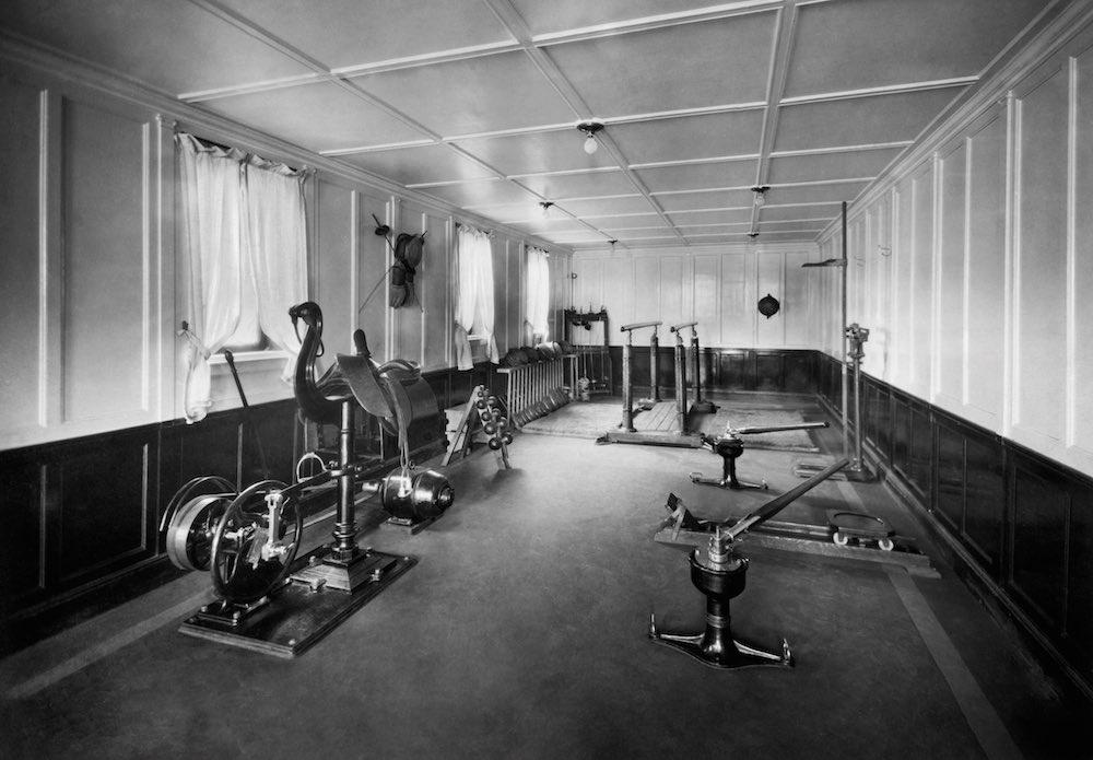 Обзор основных тренажеров в спортзале, их предназначение и особенности