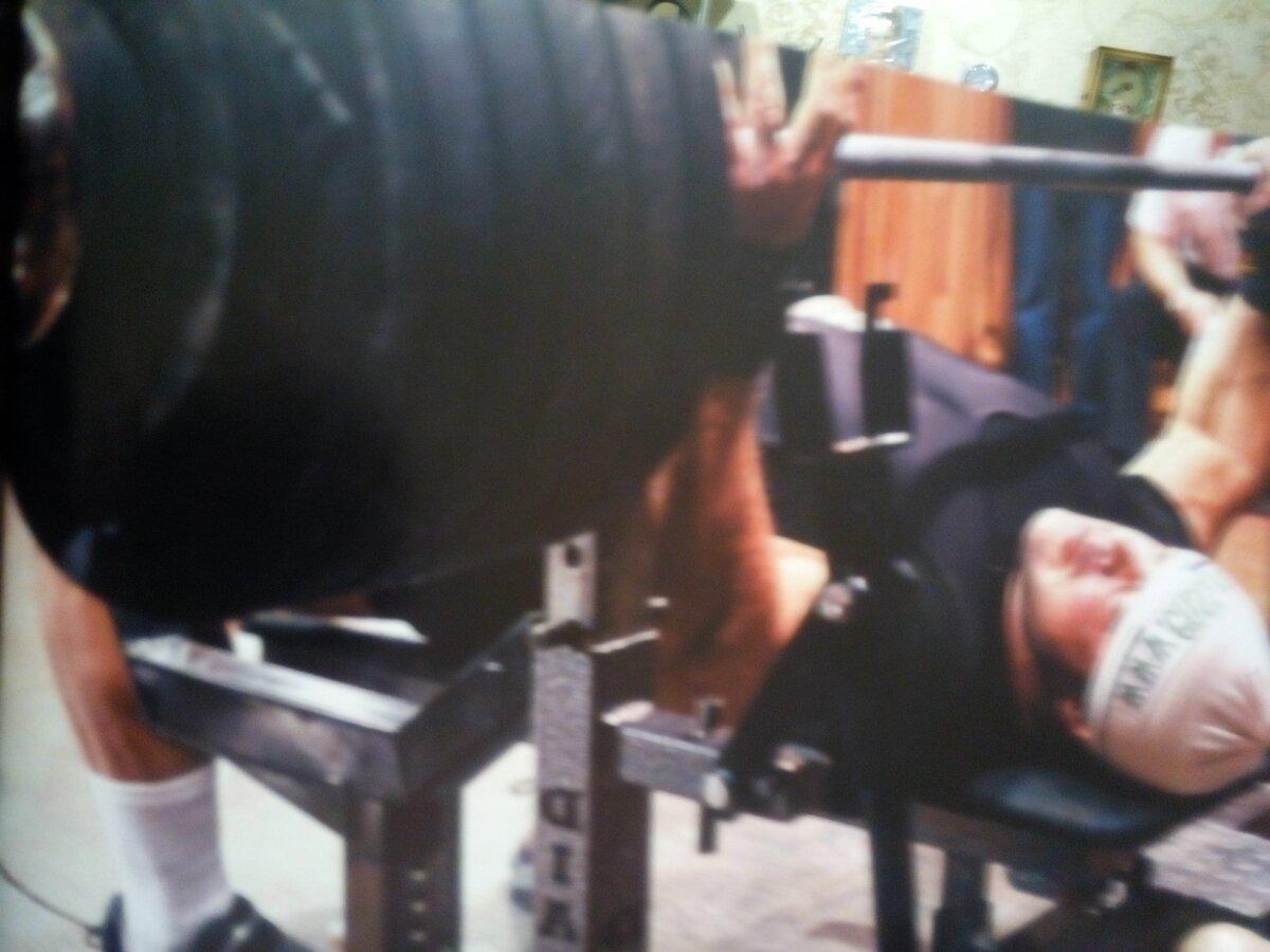 Спорт как пожать 150 кг или все о технике выполнения жима лежа