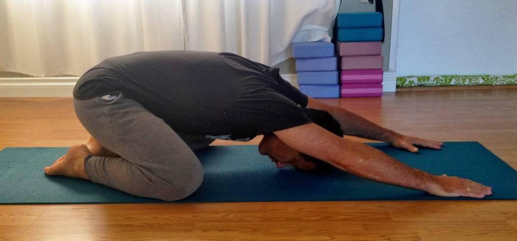 Йога при болях в спине: 5 упражнений йоги, чтобы избавиться от боли в пояснице