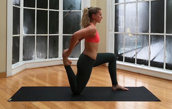 Растяжение мышц бедра: лечение консервативными методами.
