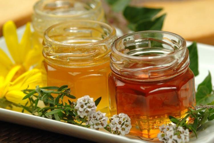 Полезно ли варенье: есть ли витамины и почему оно бесполезно при простуде