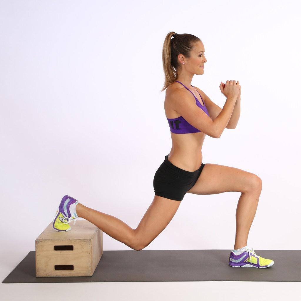 Приседания со штангой на плечах. лучшее упражнение для роста ног