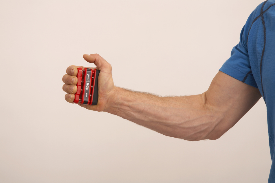 Как накачать предплечья эспандером и кисти рук