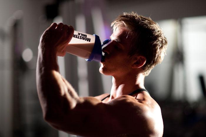 Энергетики перед тренировкой в бодибилдинге: можно ли пить, как принимать
