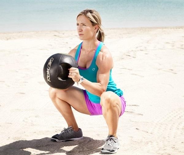 Упражнения с медболом для женщин и мужчин на руки, пресс, ноги и другие группы мышц