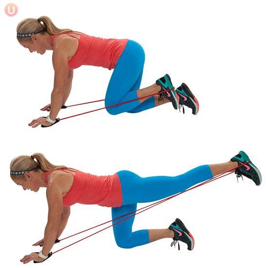 Упражнения с резинкой для ног и ягодиц: тренировка в домашних условиях для женщин (с видео)
