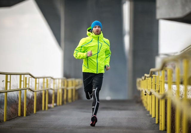 Одежда для бега мужская и женская: в чем бегать зимой, летом и осенью на улице