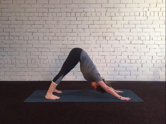8 упражнений йоги для растяжки на шпагат и стройных бедер