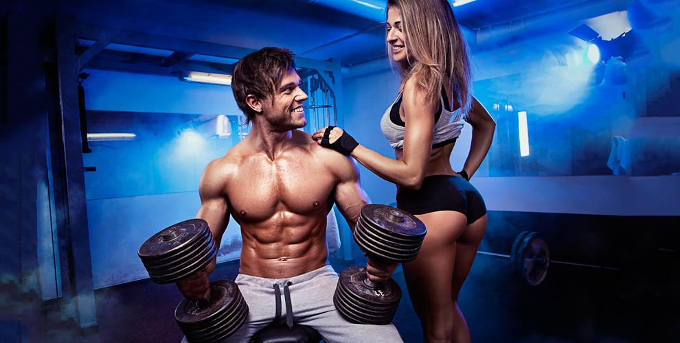 Мужская одежда для тренажерного зала (71 фото): требования к одежде для фитнеса и бодибилдинга, спортивные модели для мужчин
