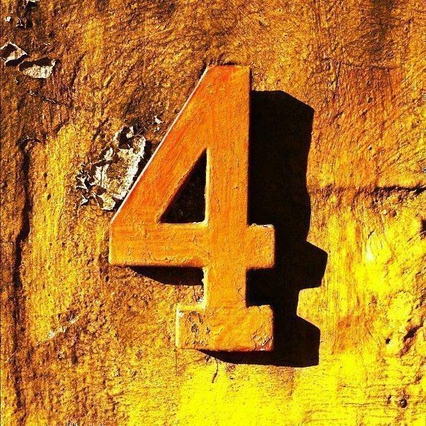 Нумерология цифры 4 — философия