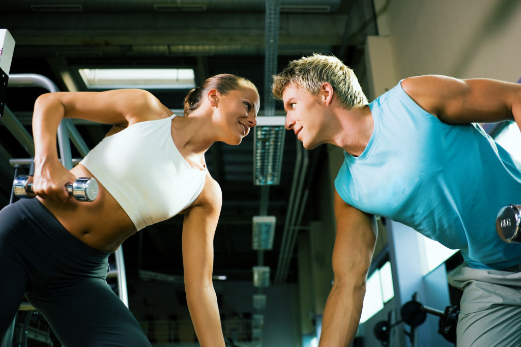 Как пользоваться тренажерами в тренажерном зале: какие нужны для спортзала, какие бывают и для чего применяются, как включать и заниматься на основных видах