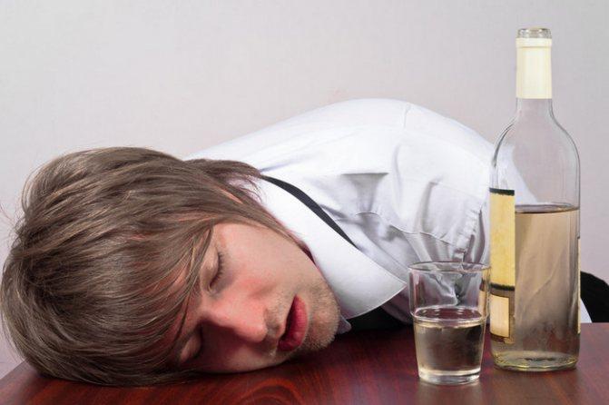 Алкоголь и суицид: самоубийство из-за алкоголизма
