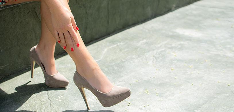 Почему возникают отеки ног летом?