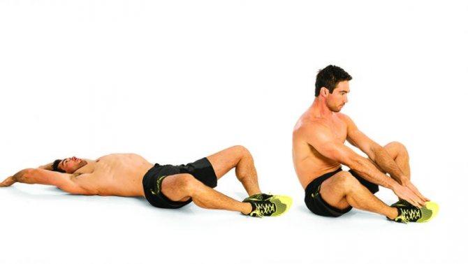 Как тренировать мышцы пресса с помощью гантелей