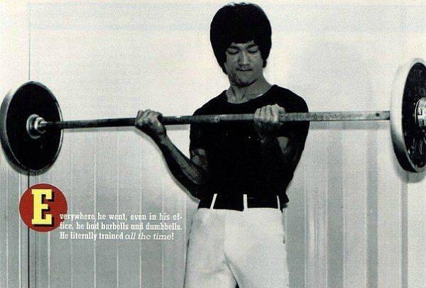 Методики тренировок брюса ли. диета и программа пробуждения | брюс ли - сайт о мастере