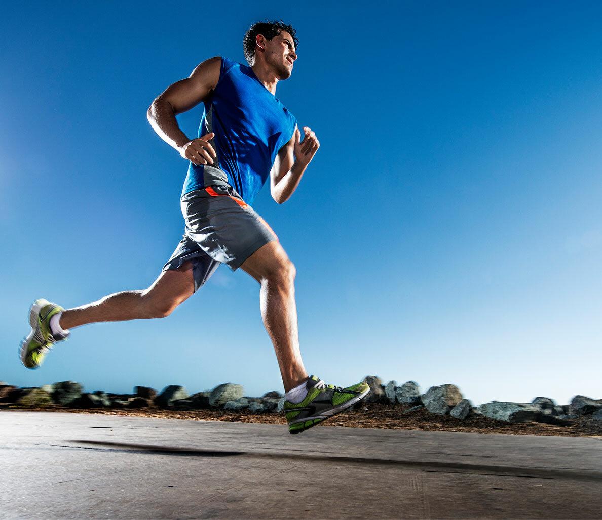 Выносливость в беге: как развить правильно и без травм - livelong