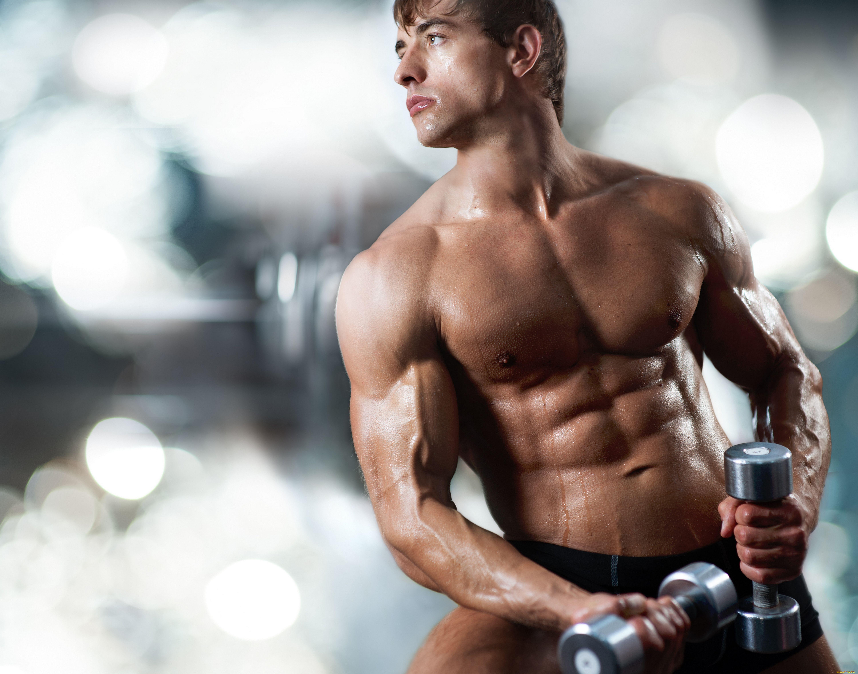 8 программ тренировки в домашних условиях для мужчин на набор мышечной массы и улучшения рельефа тела