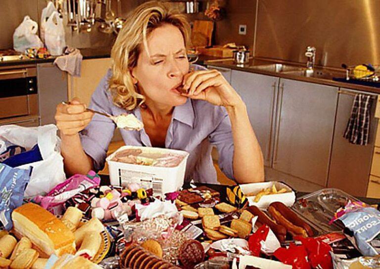 Компульсивное переедание: что такое, симптомы, как лечить и бороться самостоятельно, таблетки