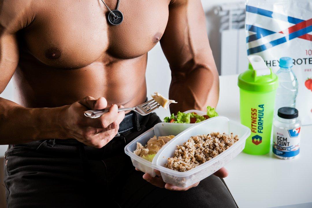 Что важнее – питание или спорт: эффективные сочетания диеты и упражнений в программах похудения
