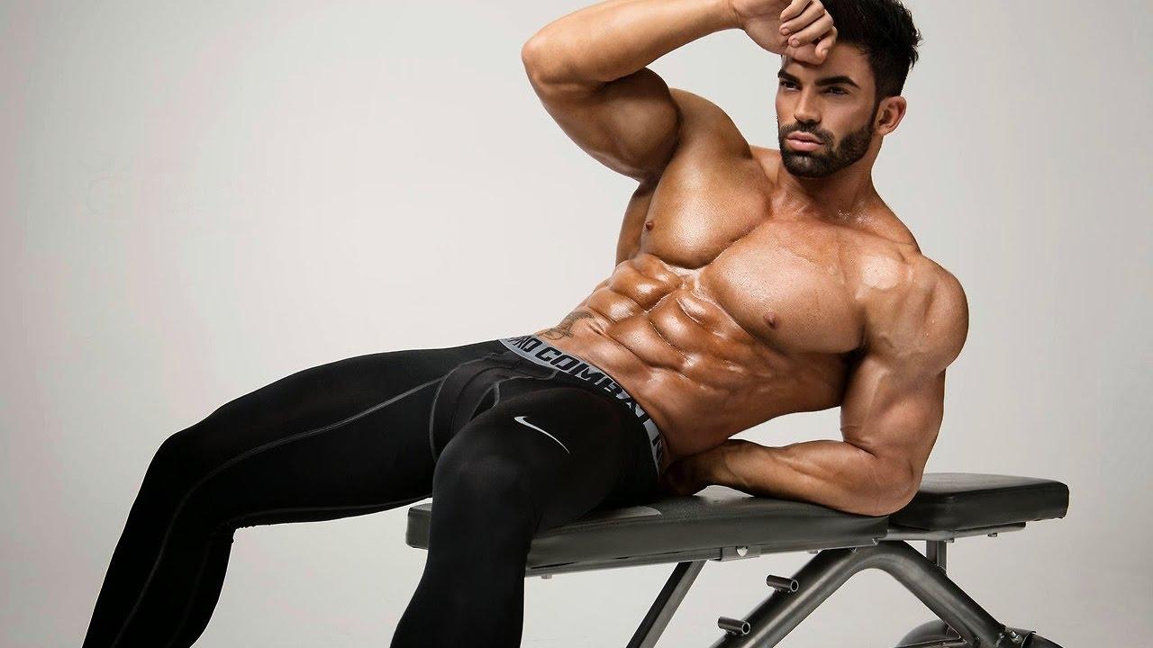12 лучших мужских фитнес-моделей - наприседала