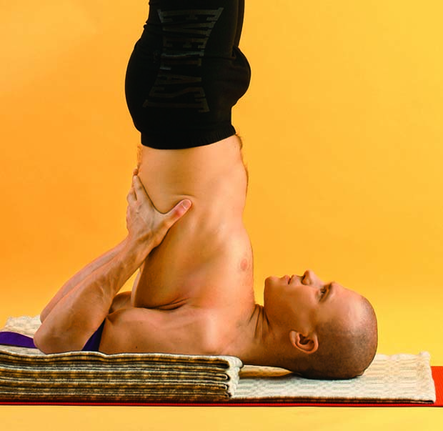 Стойка вверх ногами. упражнение березка