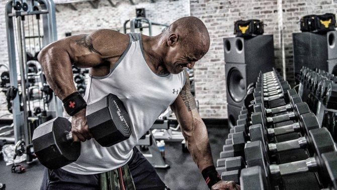 Что эффективнее: одна высокоинтенсивная в неделю или регулярные среднеинтенсивные тренировки?