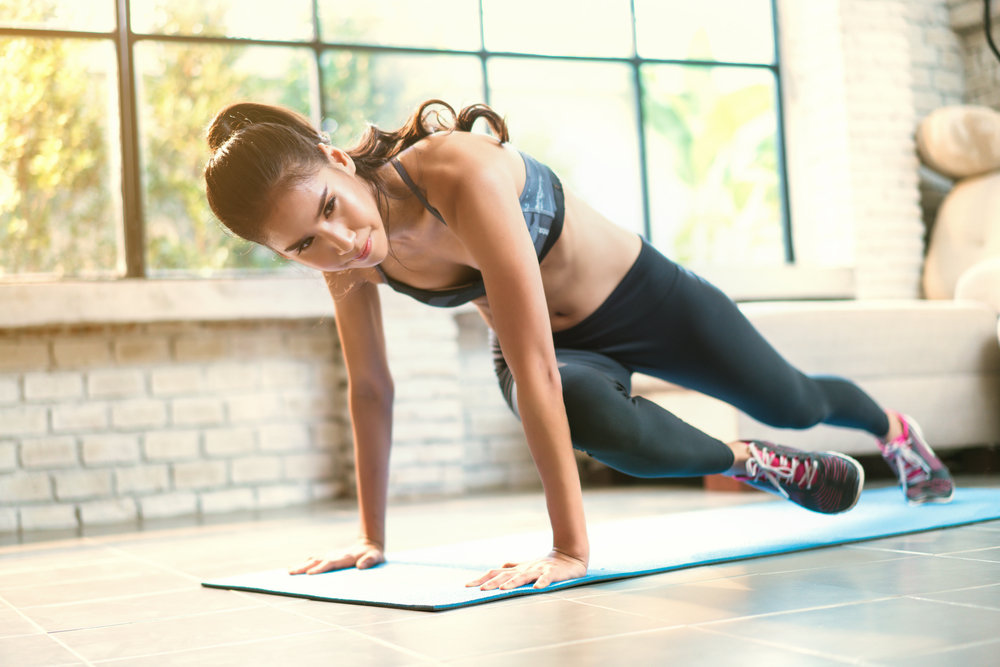 Круговая жиросжигающая тренировка для девушек и женщин в домашних условиях