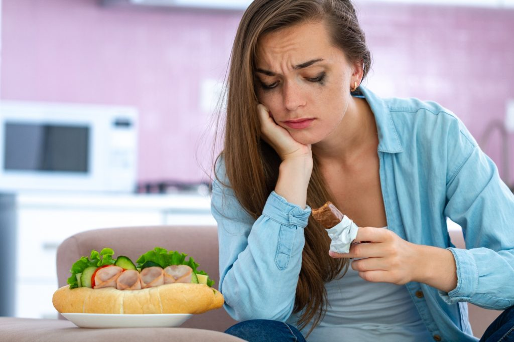 Как остановить компульсивное переедание