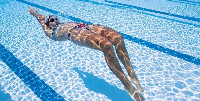Какие мышцы работают при плавании брассом: польза и вред этого стиля для мужчин и для женщин, что он развивает?