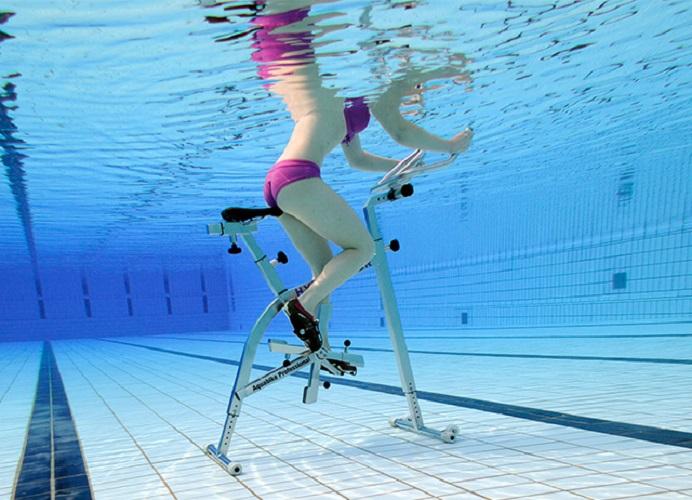 Польза аквааэробики для похудения: эффективнее ли она фитнеса?