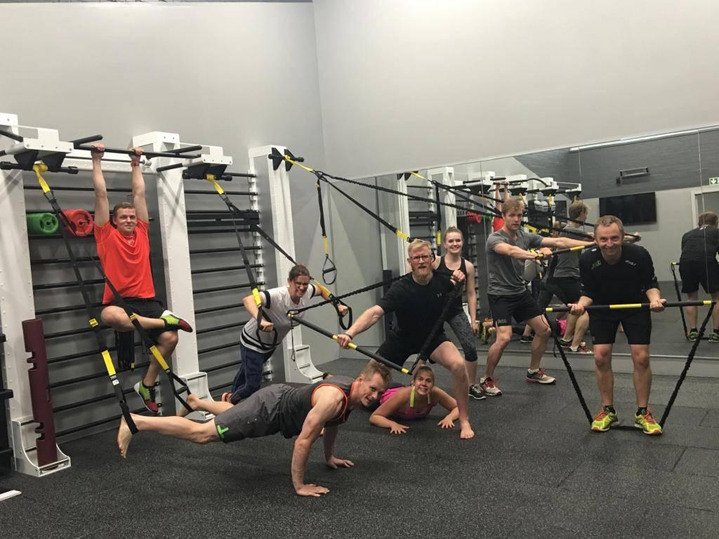 Армейская подготовка: функциональный тренинг  для мужчин :: тренировки ::  «живи!