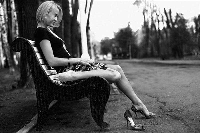 Почему красивые девушки часто одинокие и несчастны - психология